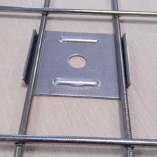 Central plate M8-M10 for wire tray